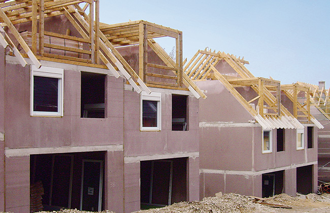 Die estecasa Elementbau GmbH sorgt für den kompletten Rohbau Ihres Fertighauses vom Keller bis zum Dach sowie von der Planung bis zur Ausführung